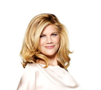 INTERVIEW: Erica Diamond Gets Up Close and Personal with Kristen Johnston